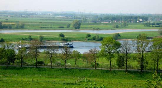 Scheepvaart_Rijn_Bart_van_Aller