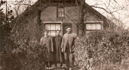 historische_foto_veenboerderijtje_aan_Veenwal_klein_middendorp_origineel